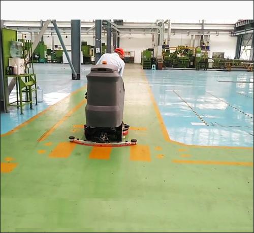 汽车零配件厂使用小型驾驶式洗地机保洁案例