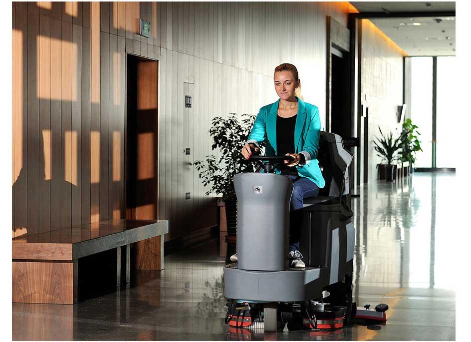 驾驶式洗地机哪家好,驾驶式洗地车排名,洗地机品牌,图片3