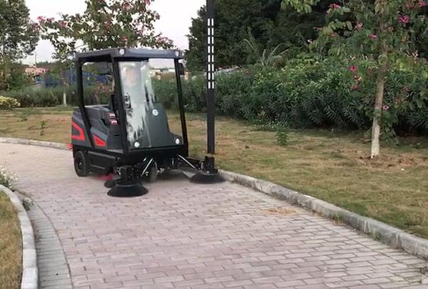 駕駛式清掃車,電動掃地車哪里有賣,駕駛式掃地機優勢