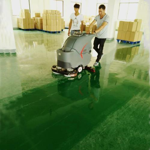 工厂仓库使用手推式洗地机的保洁案例