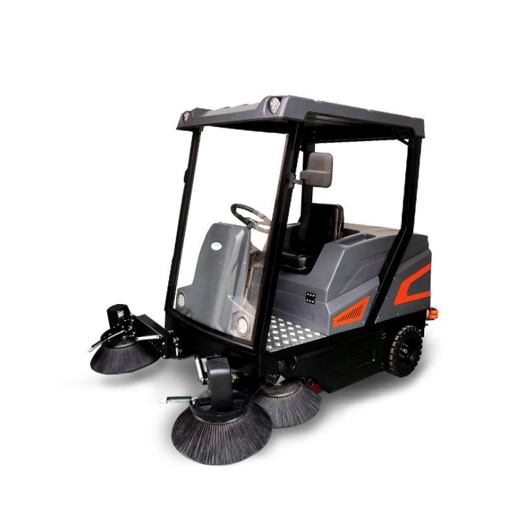 公园扫地车,功率扫地机,驾驶式清扫车,驾驶式电动扫地车,第1张