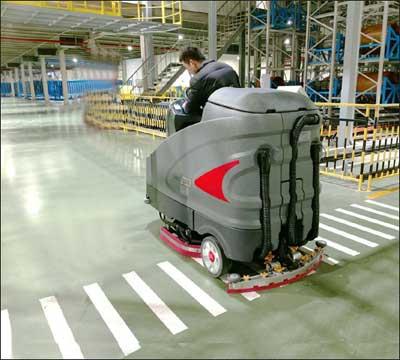 大型驾驶式洗地机投放汽车配件生产企业的案例