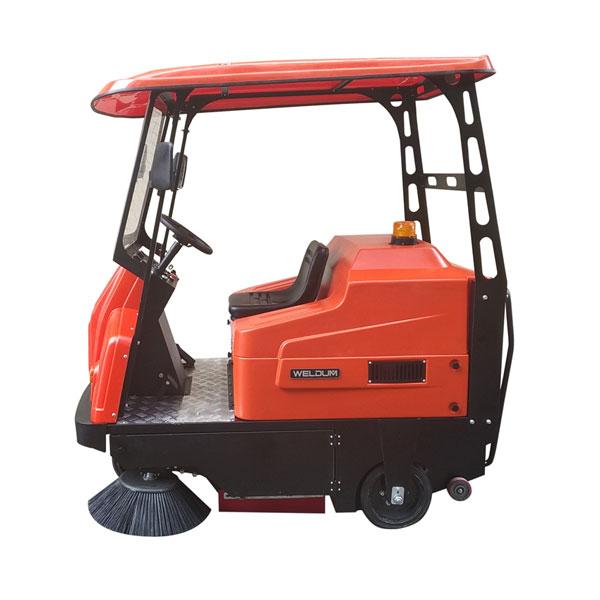 小型驾驶式扫地机_电动吸尘清扫车伟顿W1350