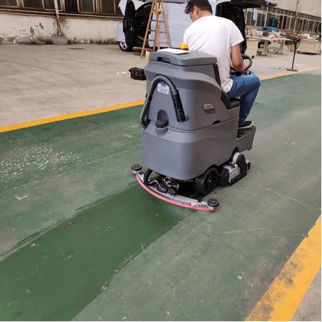 驾驶式洗地机如何维护保养