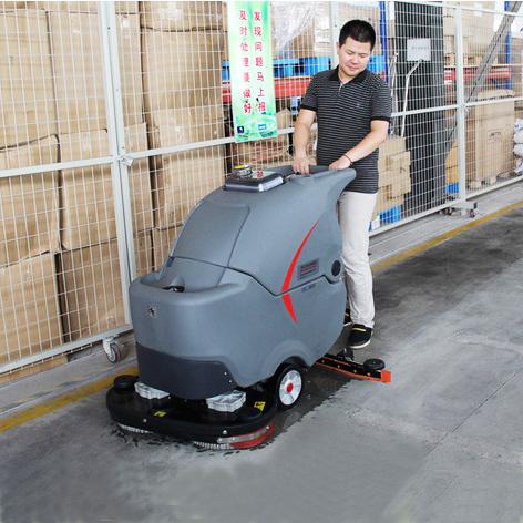全自动洗地机在湖北仓储物流企业的应用