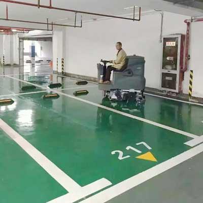 小型驾驶式洗地机清洁小区地下车库