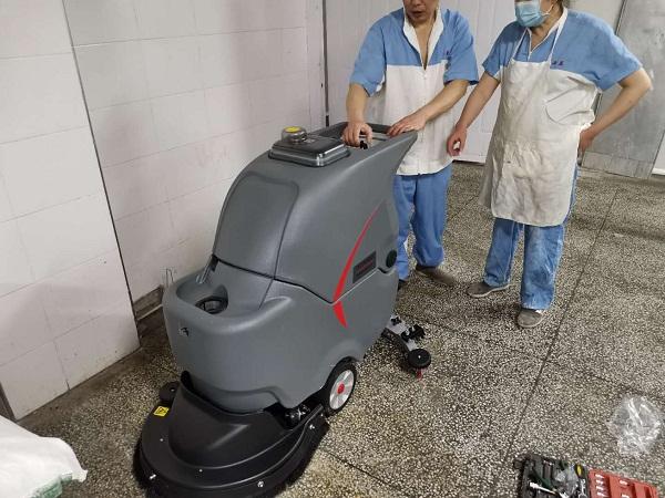 工廠車間洗地機_工廠地面洗地機_洗地機圖片案例