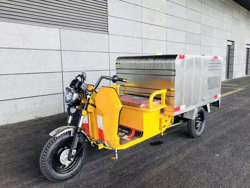 環衛保潔高壓清洗車外形美觀、操作簡便、動力高效、輸出強勁